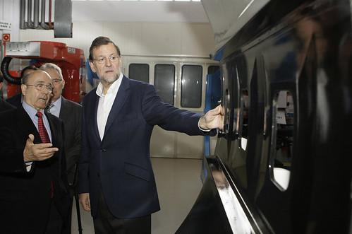 Rajoy visitando la empresa navarra Mtorres