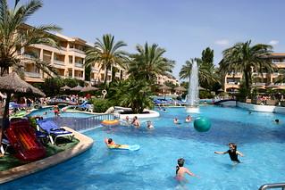 Image de Platja de Muro (Playa de Muro) Plage d'une longueur de 1648 mètres près de Port d'Alcúdia. apartments hotels alcudia swimingpool dorada prinsotelladorada doradahotel doradaapartments swimingpoolladorada playamurohotel prinsotelalcudia prinsotelladoradaapartments prinsotelpools