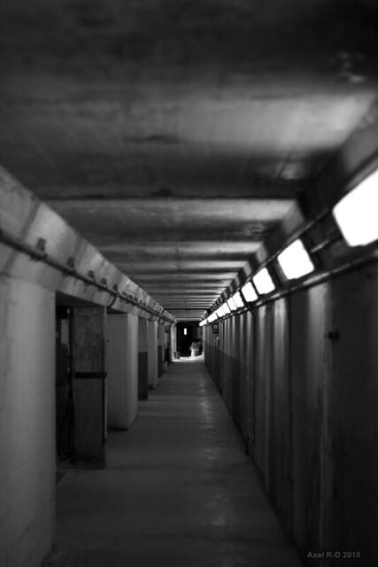 Corridor l 39 int rieur du barrage explore ax 39 s photos for A l interieur movie