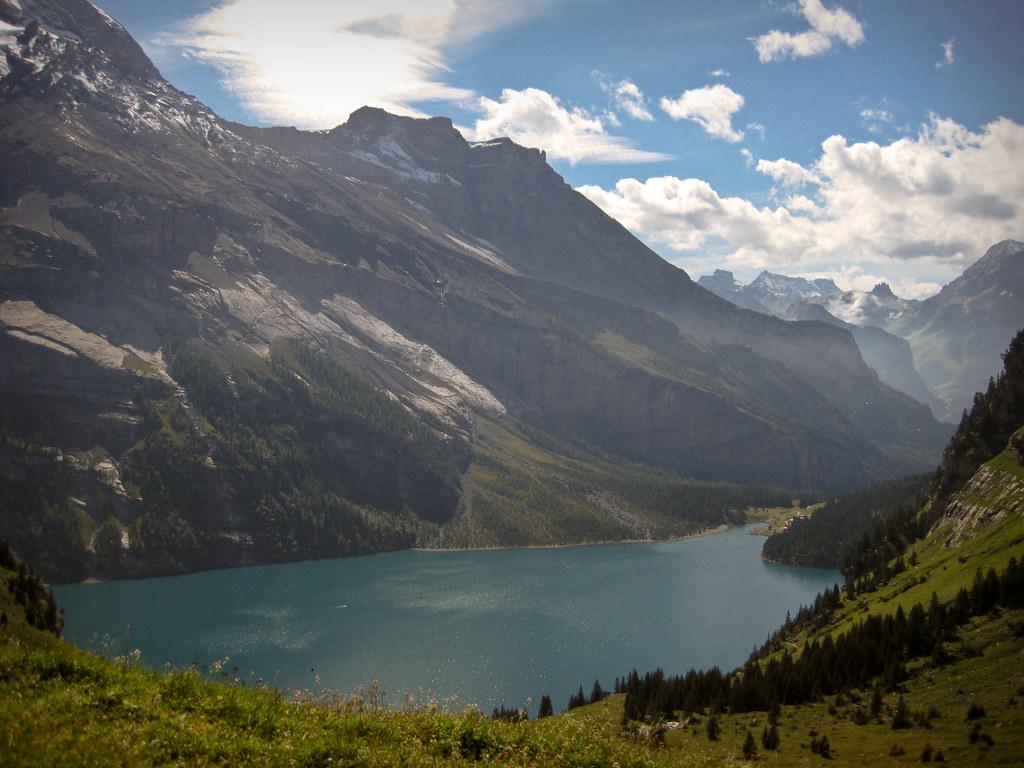 Lago Oeschinen em Kandersteg, Suiça