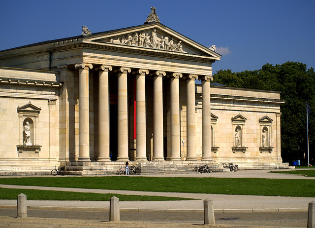 Glyptothek entrance