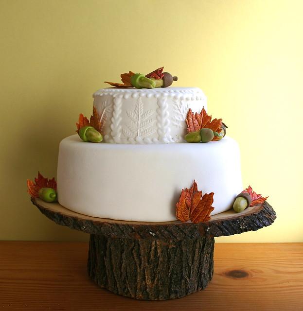 tree stump cake stand flickr photo sharing. Black Bedroom Furniture Sets. Home Design Ideas
