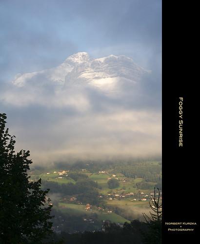blue cloud white mountain green fog suunrise panoramafotográfico nkond90 afsvrnikkor18200mm13556ged