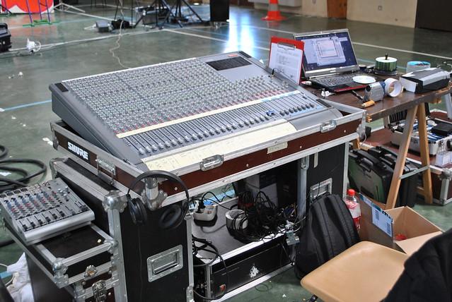 Table rabattable cuisine paris table de mixage 24 pistes for Table de mixage yamaha 6 pistes