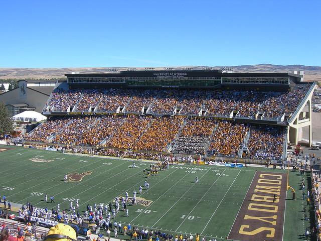 war memorial stadium amazing college stadiums