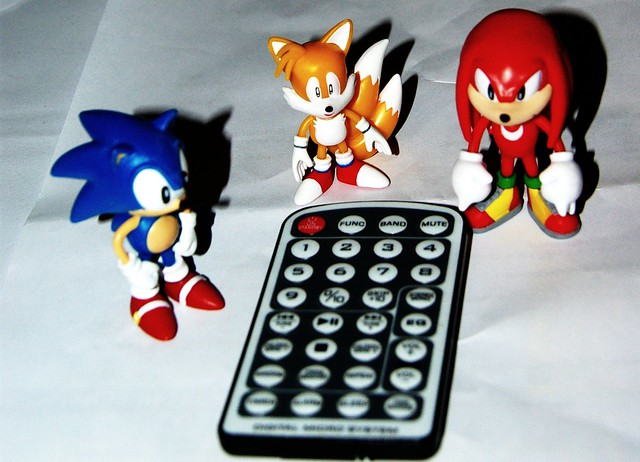 Sonic Tails Knuckles Use Remote