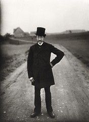 Farmer to church, by August Sander 1925-26