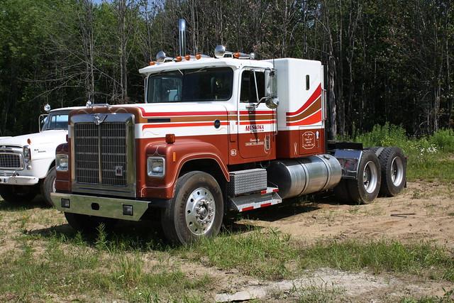 International 4300 Tractor : International tractor flickr photo sharing