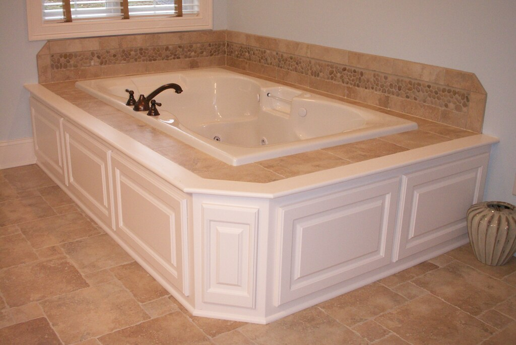Wainscoting America Raised Panel Bathroom Jacuzzi Flickr
