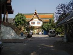 PC070031 Kuti Building at Wat Thung Yu