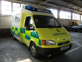 Oxfordshire Ambulance Service - Ford Transit Customline Lazer A&E Support truck at Oxford City ambulance station; 2004.