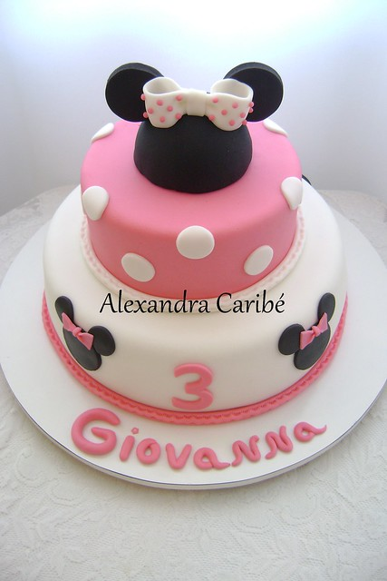 Bolo da Minnie rosa- Pink Minnie Mouse cake