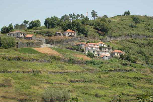 the hamlet and surroundings