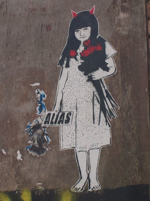 201007190327_Banksy-graffiti