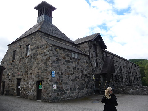 Royal Lochnagar Distillery, Deeside