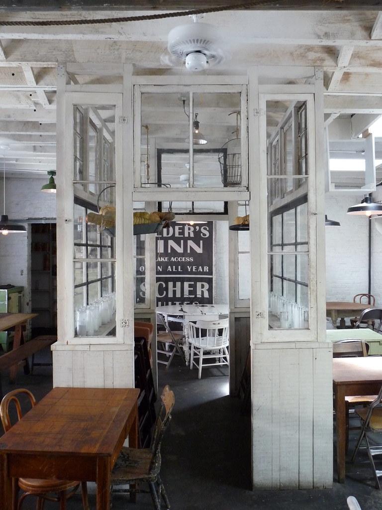 Saraghina Cafe, Lewis St (Halsey St)