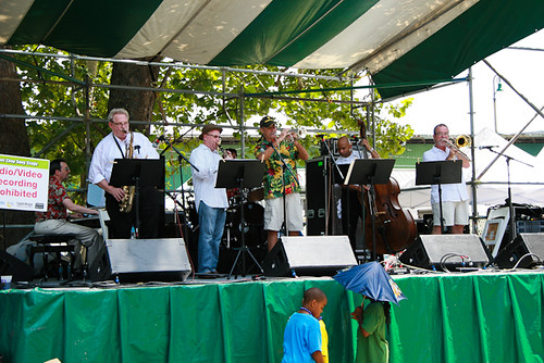 Connie Jones' trad jazz band. Photo by Richie Drouant.