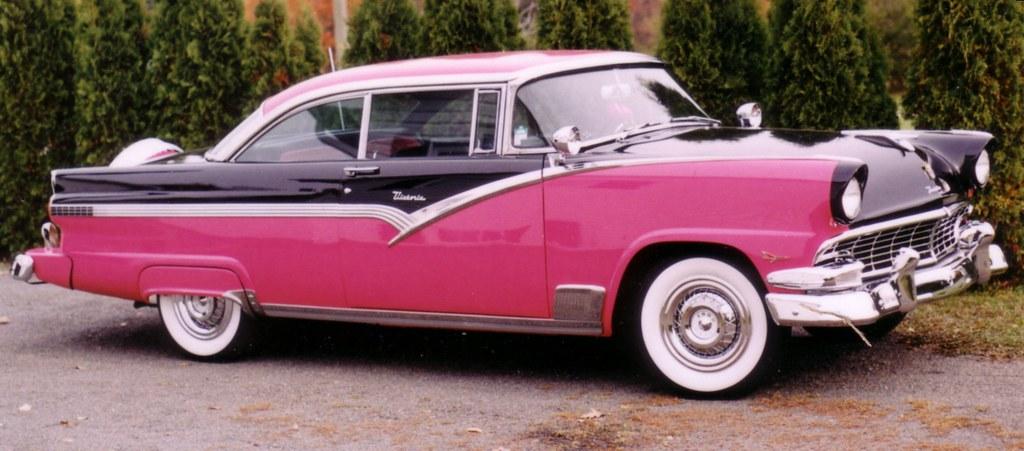 1956 FORD Fairlane Victoria 2DR HT