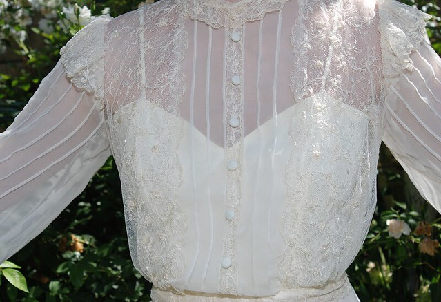 Vintage 1970s Ivory Organza Lace Victorian Train Wedding Gown 6