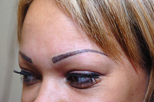 Shola Ama's new eyebrows