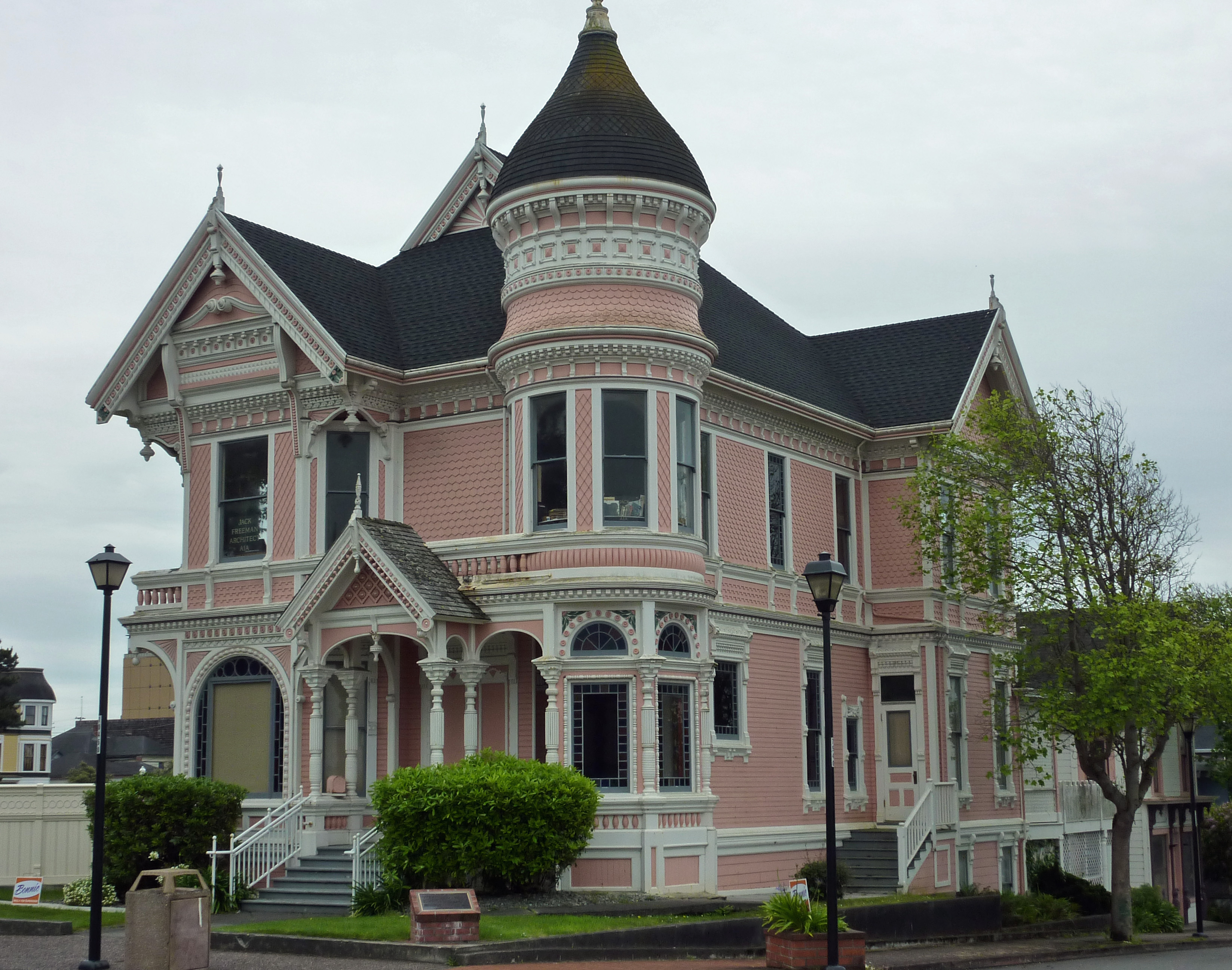 Old victorian houses in eureka ca flickr photo sharing for What is a victorian house