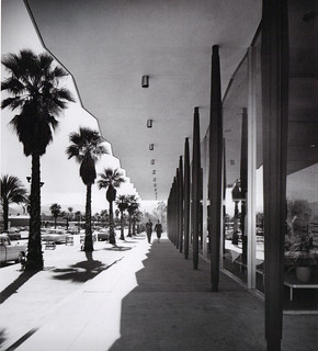 Robinsons's Palm Springs Pillars 1950's