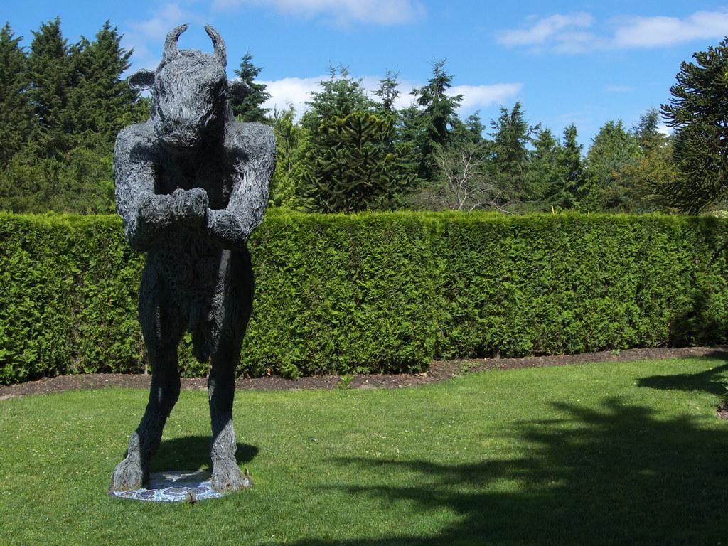 minotaur guarding maze