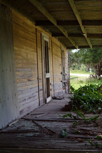 wood travel windows vacation usa green yellow farmhouse rural canon landscape photography town photo vines nikon doors fuji florida decay ghost country linden picture pasture photograph porch weathered fl orangecounty railings starkey deserted delapidated sr50 haintblue naturesreclaimation sumptercounty mikewoodfin