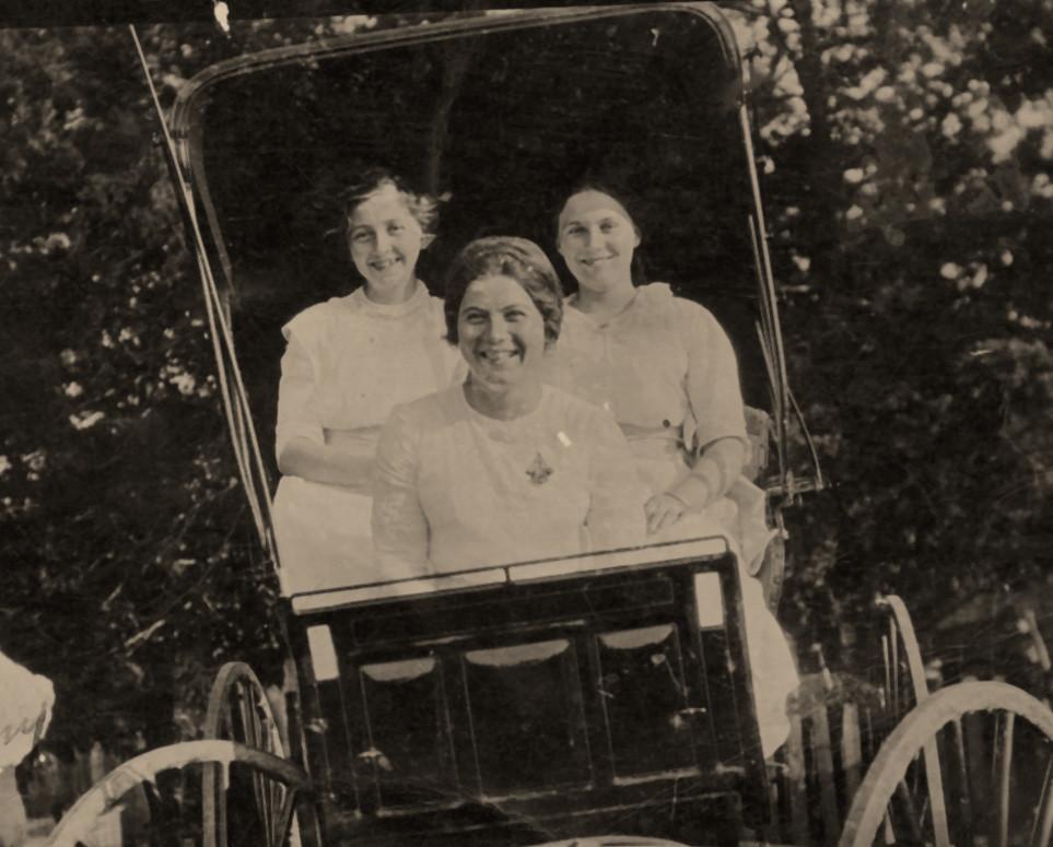 Minnie Deininger, Della Hornby and Rosie Deininger