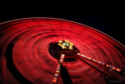 longexposure light red motion black public wheel night canon circle fun published ride trails athens greece ferriswheel amusementpark lighttrails tilt canonefs1022mmf3545usm canoneos40d alloufunpark updatecollection