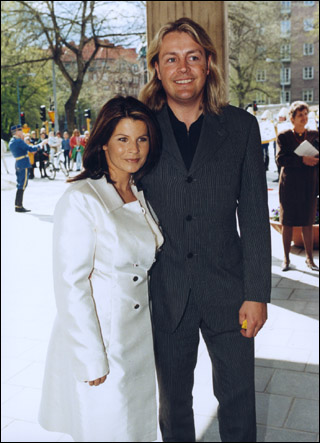 Carola with cool, Husband Runar Søgaard