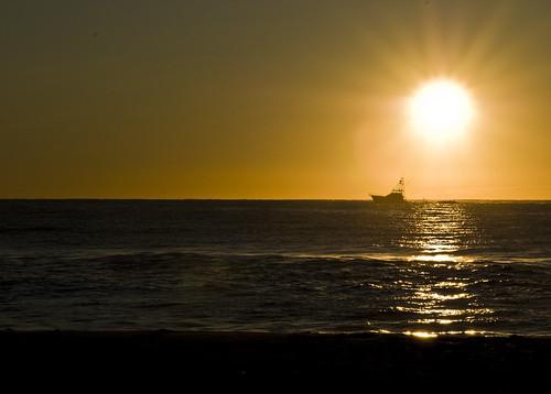 ocean sun beach sunrise boat fishing nikon tamron 90mm
