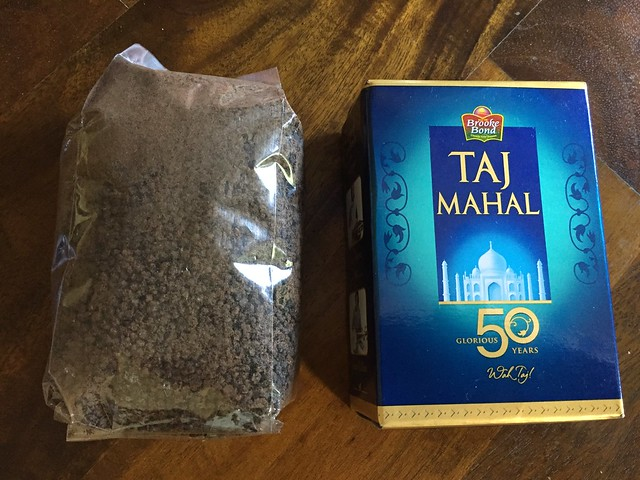Street tea & Taj Mahal (Brooke bond)