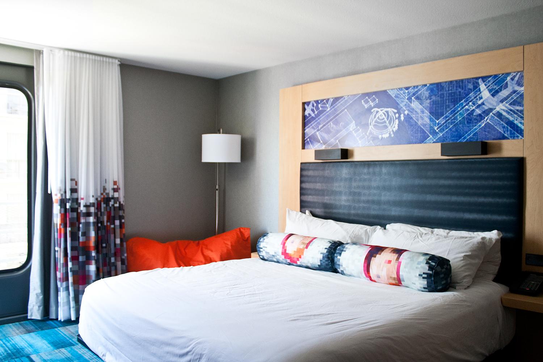 03travel-vacation-LA-aloft-decor-style