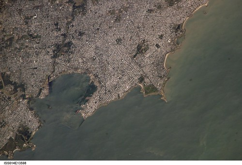 Montevideo, Uruguay (NASA, International Space Station Science, 01/29/07)