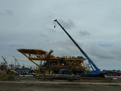 crane vessel (floating)(0.0), freight transport(0.0), ship(0.0), sea(0.0), dredging(0.0), watercraft(0.0), coast(0.0), tugboat(0.0), boat(0.0), machine(1.0), transport(1.0), construction equipment(1.0),