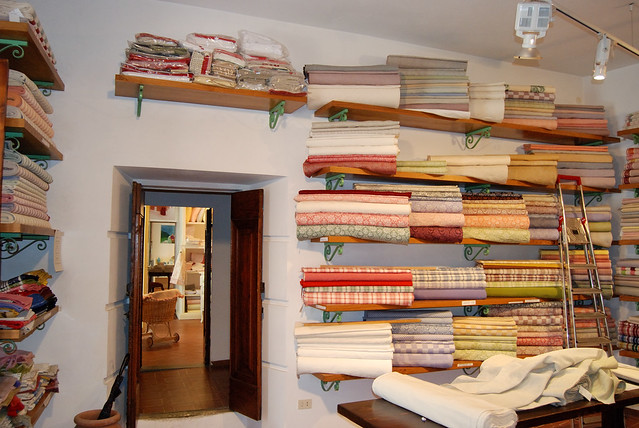 shopping in italy linens