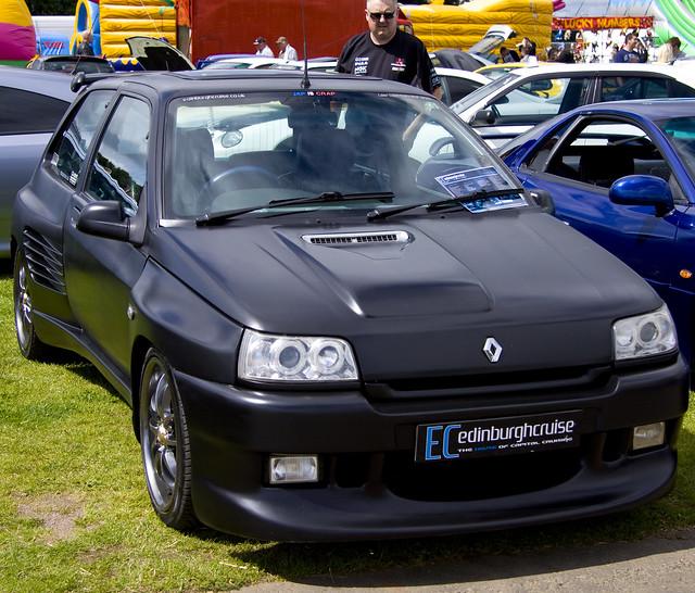 Renault Clio Black: Matt Black Renault Clio 16v Dimma