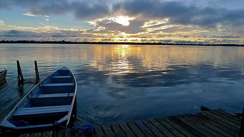 brazil brasil sunrise river landscape boats boat amazon barco paisagem blackriver reflexions reflexos amazonas nascerdosol amazonia rionegro anavilhanas colorphotoaward elaineeiger bestofmywinners eeiger gettyimagesbrasil