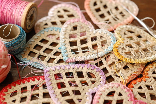 paper hearts with crocheted edges in tatting thread