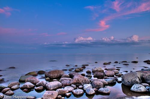 sunset sea clouds finland rocks gulfoffinland nikond300 varlaxudden afsnikkor1685mm13556ged eerohapponen porvooarchipelago archipelango