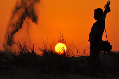 sunset me golden sand nikon kiss nophotoshop nikkor frontpage ksa 70200mm d90 togodbetheglory kristianongpinoy rizalrodelas vrll