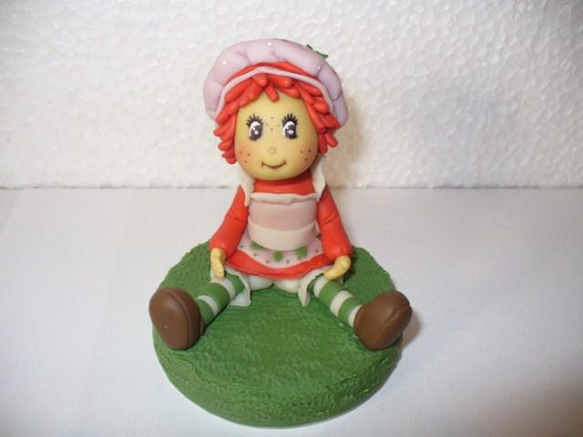frutillita adornos de torta y souvenirs realizados en porcelana fria ...