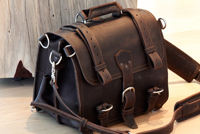 Saddleback Leather Briefcase (medium in chestnut) | Flickr ... Saddleback Leather