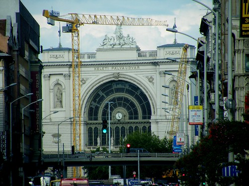 Rakoczi Ave and Keleti Station