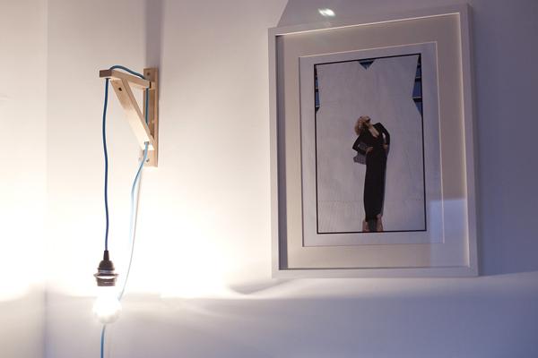 Wall Mounted Lamp Diy : moveSlightly: DIY: Wall-Mounted Bulb Lamp