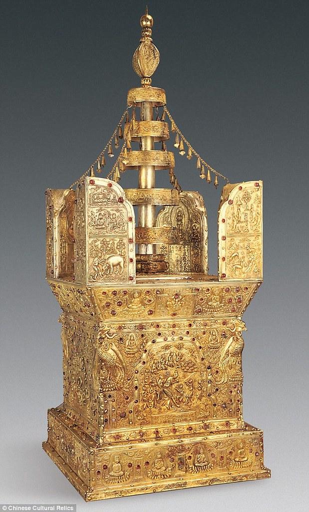 Model stupa kotak yang berisi obyek yang diduga relik Buddha Gotama, hasil penggalian di bekas Vihara Da Bao'en, Nanjing, Tiongkok