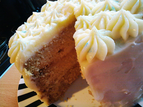 THE INKY KITCHEN: Whiteout Cake with White Chocolate Cream ...