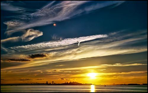 sunset sky film boston clouds hull canona1 photocd bostonskyline bostonharbor prudentialtower hancockplace backwhenfilmruledtheworld probablyfujireala