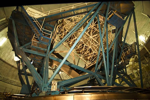 Big Dubya's photo of the inner workings of the Keck telescope.